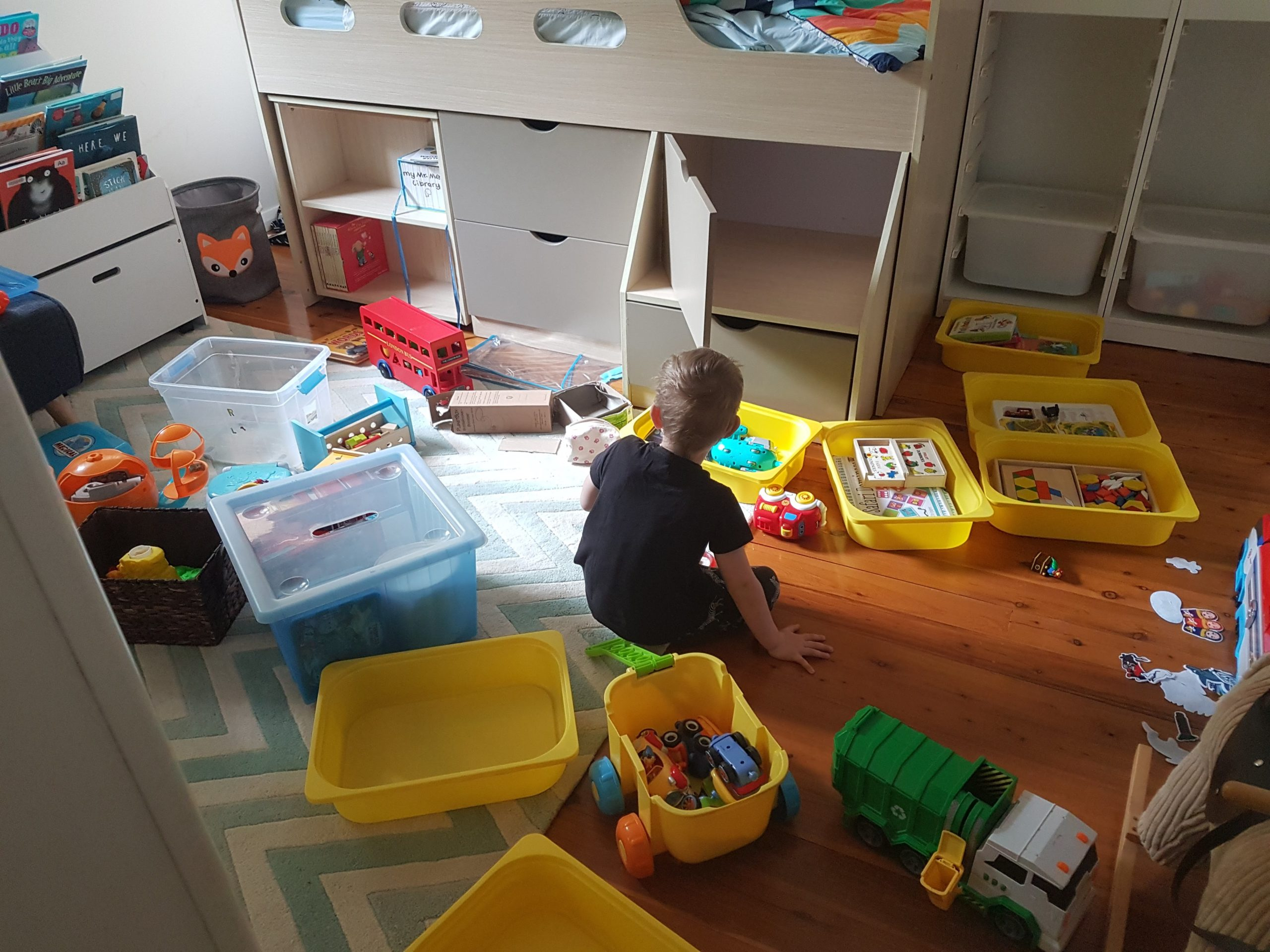 5 steps to declutter WITH your kids (without the tears)